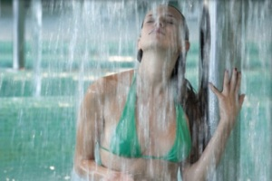 <b>Spa Day</b> ...ingresso alle piscine termali a diverse temperature CAMERA e Centro ELISIR ... <b> € 40</b>