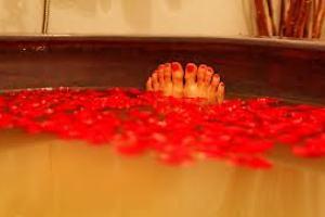 <b>TERME LOVE EXPERIENCE</b> Romantik Room massaggio di coppia Ayurveda ...<b>3 giorni 2 notti € 258</b>