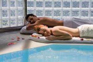 Spa Day - COCCOLE PER DUE piscine termali - camera d'appoggio massaggio antistress € 68