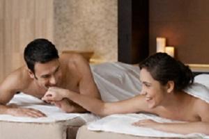 <b>Day Spa - RELAX in COPPIA</b> massaggio di coppia aromatico in una atmosfera di profumi e luci <b>€ 75</b>