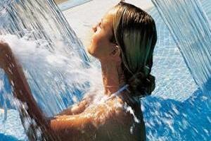 <b>Spa Day Regalo di Benessere</b> massaggio piscine termali sauna finlandese palestra posteggio <b>€ 50</b>