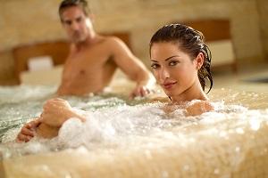 <b>Day Spa - ROMANTICAMENTE </b>camera d'appoggio Spa piscine sauna sdrai ombrellone <b>€ 40</b>