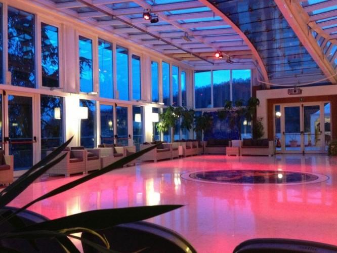 Piscina party nubilato celibato compleanno alle terme da 35 abano terme - Montegrotto terme piscina ...