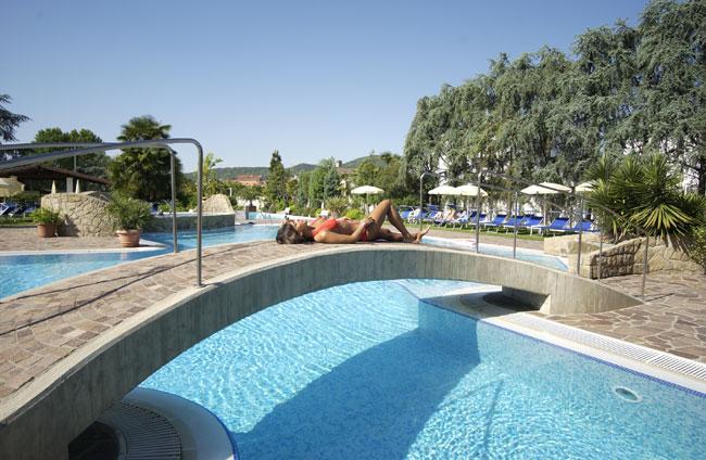 4 Notti – ESCLUSIVO Terme Resort 4* mezza pensione € 368